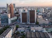 Nowoczesny skyscrappers w centrum — Zdjęcie stockowe