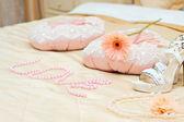 Label love pillow bed romance — Stock Photo