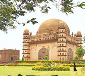 Gol gumbaz palace and  mausoleum bijapur Karnataka india — Stockfoto