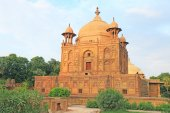 Monument containing mughal tombs allahabad india — Stock Photo