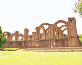 Aincent arches and ruins bijapur Karnataka india — Stock Photo