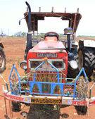 Ancient tractor india — Foto de Stock