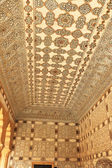 Decorated cieling amer fort india — Stockfoto