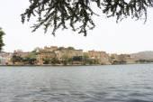 City palace and lake udaipur rajasthan india — Foto de Stock