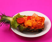 Sweet and sour shrimp in pineapple thai style — Stock Photo