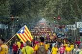 BARCELONA, SPAIN - SEPT. 11: People manifesting ingependence on  — Stock Photo