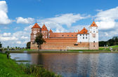 Belarus, Grodno region. Mir Castle, view from the lake — Stock Photo