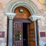 Thessaloniki, the entrance to church of Hagia Sophia — Stock Photo #69228991