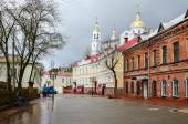 Tolstoy Street with views of the Holy Dormition Cathedral, Vitebsk, Belarus — Stock Photo