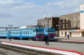 Diesel trains on the ways of train station in Mogilev, Belarus — Stock Photo