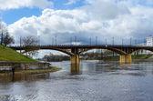 View of Kirovsky bridge across Zapadnaya Dvina in the spring, Vitebsk — Stock Photo