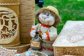 Exhibition and sale of products from birch bark and toys souvenirs — Stockfoto