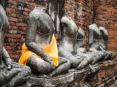 Old Buddha statue at Wat Chai Watthanaram — Stock Photo