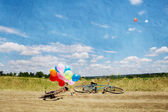 Valentine,, summer,, two bicycles and balloons — Stock Photo
