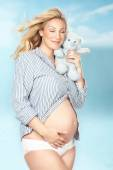 Pregnant In The Clouds — Stock Photo