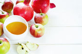 Apples, honey and pomegranates, traditional food for the Jewish — Stock Photo