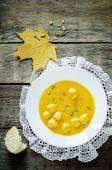 Sopa de abóbora com almôndegas — Fotografia Stock