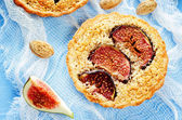 Tartlets with Fig and almond cream (Frangipane) — Stock Photo