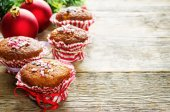 Muffins with cinnamon and colorful topping — Stock Photo
