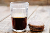 Chocolate macaron with cream cheese and coffee  — Stockfoto