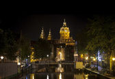 Amsterdam night: Church of Saint Nicholas — Stock Photo