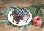 Christmas chocolate celebration cake with chocolate ganache, cre — Stock Photo
