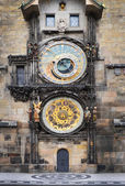 Medieval Astronomic clock (Orloj) on the Old Town Hall tower at  — Stock Photo