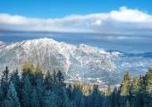 The view over the Bavarian Alpine slopes covered with snow from  — Stock Photo