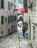 Kotor, Montenegro, Balkans, 24.01.2015. Narrow paved street of t — Stock Photo