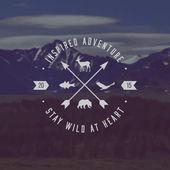 Outdoor adventure emblem — Stock Vector