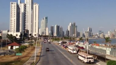 Traffic in Panama city — Stock Video
