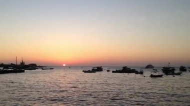Sunset at San Cristobal, Galapagos Islands, Ecuador — Stock video