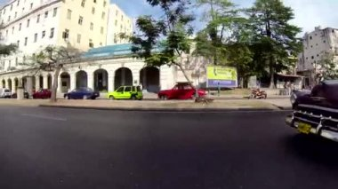 Red classic car in the streets of Havana, Cuba — Stock Video