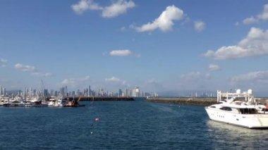 Panama city skyline view from flamenco island — Stock Video