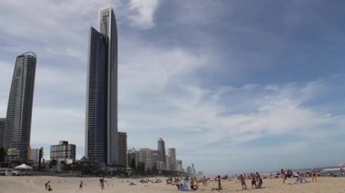 Beach an Hotels at the Gold Coast, coastal city, Queensland, Australia — Stock Video