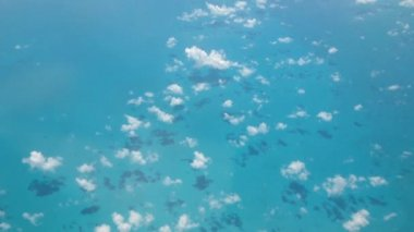 Flying above the Caribbean sea — Stock Video