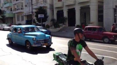 Blue classic car in Havana, Cuba — Stock Video