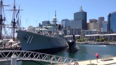 Marine ship at the Australian National Maritime Museum in Darling Harbour, Australia — Stockvideo