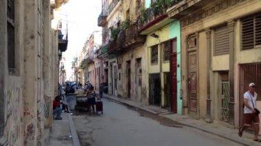 Bike taxi driving through Havana, Cuba — Stock Video