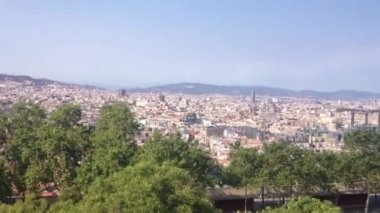 Cable car going up to the MontjuГЇc hill in Barcelona, Spain — Stock Video