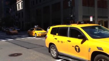 Taxi downtown Manhattan, New York City, USA — Stock Video