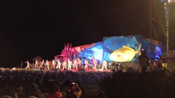 Festival Tapati en la noche en la isla de Pascua, rapa nui — Vídeo de stock