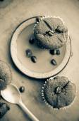 Chocolate cupcakes with coffee beans — Stock Photo