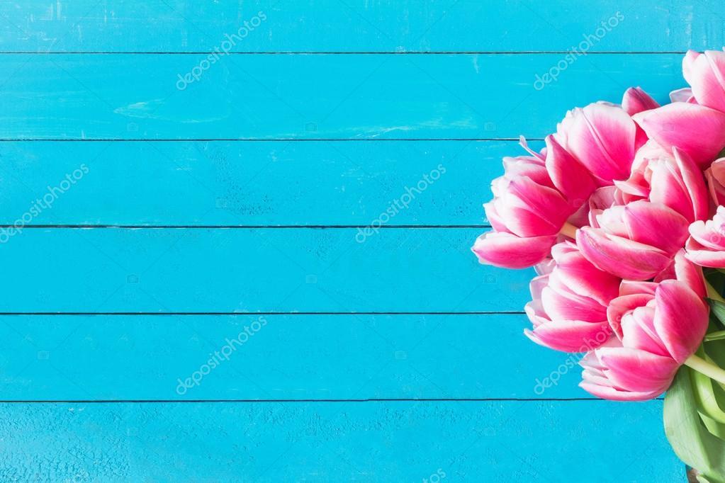 Скинали 6048  Нежноголубой фон с цветами в корзинках