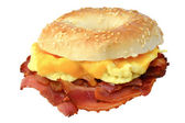 Bagel with bacon, scrambled eggs and cheese — Foto de Stock