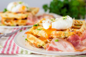 Waffles with bacon, egg and cheese — Stock Photo