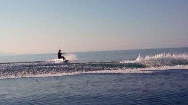 Summer waterskiing sports — Stockvideo