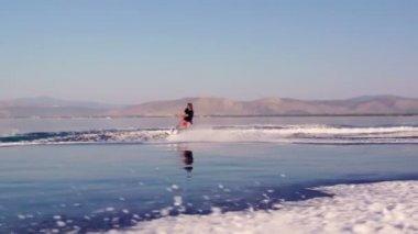 Summer waterskiing sports — Stock Video