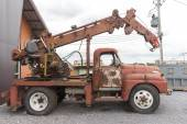 Vintage old excavator machine parking need to fix — Stock Photo