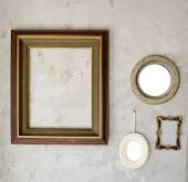 Set of different modern and ancient mirrors and photo frame. — Zdjęcie stockowe
